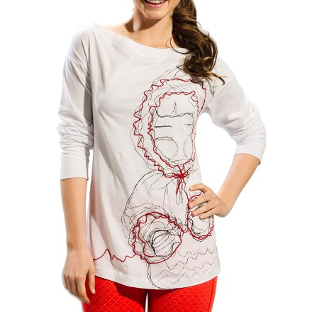 The Marilyn shirt by Lole features a graceful boat neckline and a screen print for a one-of-a-kind style. Made from organic cotton for breathable comfort and easy care. - $24.83