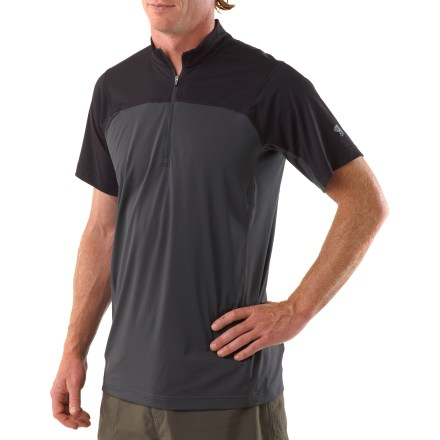 The Mountain Hardwear Justo Trek Zip T-shirt is a great choice for warm-weather trail excursions. Moisture-wicking polyester fabric dries quickly and offers UPF +50 sun protection. Flatlock seams maximize motion and minimize abrasion. Zippered neck for easy ventilation. Closeout. - $32.93
