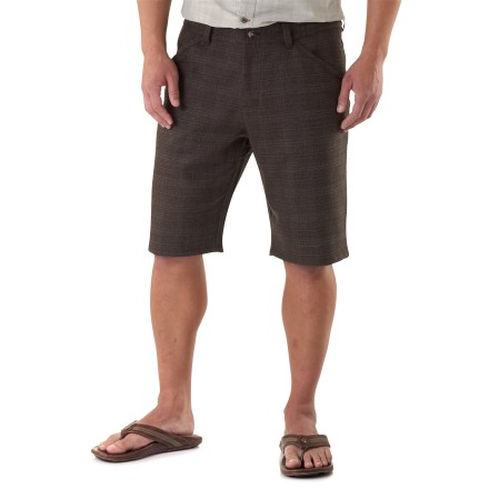 Be ready to head out on the town in warm weather with the stylish Nau Confidant Bold Plaid shorts. Wool is blended with polyester and spandex for a touch of stretch to increase comfort on daily adventures. 2 front hand pockets, 2 button-flap back pockets and 1 side pocket stow your essentials. The Nau Confidant Plaid shorts have a regular fit. - $48.83