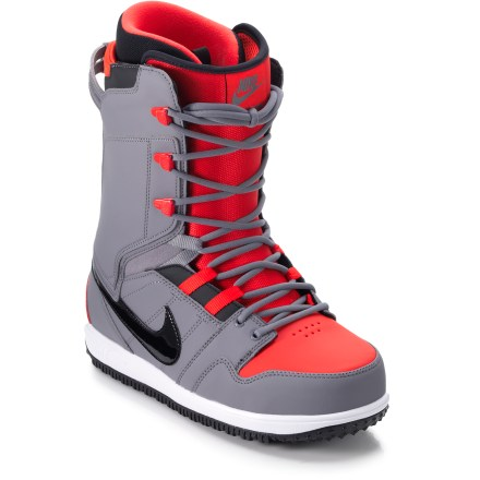 Snowboard Nike Vapen snowboard boots for men feature the same technology as your beloved running shoes because comfort and performance are paramount on the hill. Conquer the mountain and do it with style. - $125.83