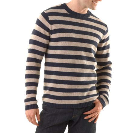 Surf The Patagonia Lambswool Crew sweater is just what you need to warm up after a morning surf session or an afternoon of climbing. Soft lambswool is blended with nylon for durability and shape retention. Includes rib-knit neckline, hem and cuffs. The Patagonia Lambswool Crew sweater has a regular fit. Hand wash cold, dry flat; do not iron. - $48.93