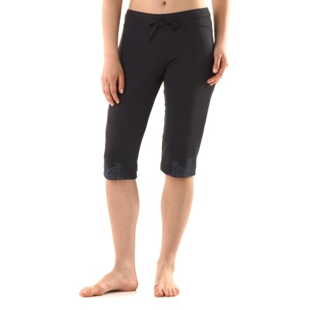 Fitness Expand your pose repertoire with the prAna Rylee knickers, made with stretchy, moisture-wicking fabric that lets you move how you want to move. Quick-drying micropolyester fabric wicks moisture so you stay comfortable even when the yoga studio heats up; a touch of spandex improves stretch. Tunneled drawstring waist lets you personalize the fit. Henna print at bottom hem adds an elegant accent to the prAna Rylee knickers. Relaxed fit and 15.5 in. inseam. - $33.83