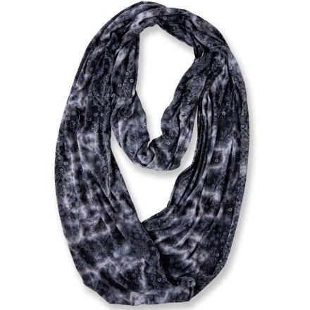 Ski The prAna Sara scarf adds a splash of color and finesse to your outfit. Cotton/polyester scarf has a tie dye and burnout pattern. The prAna Sara scarf is 1 large loop. Closeout. - $14.83
