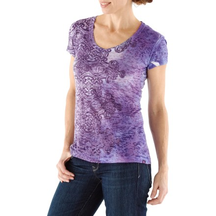 Comfortable anytime, the prAna Bindi T-shirt is soft, stylish and easy to care for. Lightweight burnout fabric with bindi sublimation print at side body. - $37.93