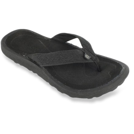 Entertainment Rafters Gust Weave boys' flip-flops offer a step up from the traditional flip-flop, with bonus padding and arch support built in to keep young feet comfortable. Sturdy synthetic straps gently wrap insteps for a secure fit. Thick, soft EVA topsoles/midsoles cushion feet and deliver arch support for all-day comfort. Rubber outsoles provide traction on a variety of surfaces. Special buy. - $5.73