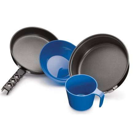 Camp and Hike Scouts, mountaineers and alpinists will appreciate the lightweight and compact design of this traditional REI mess kit. - $18.93