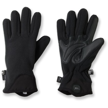 Camp and Hike The women's REI Recycled Fleece Grip gloves keep your hands warm while you walk the dog, take a hike or head to work in the morning. Midweight fleece contains at least 50% recycled polyester fibers; fabric dries quickly and insulates even when damp. Textured synthetic leather palms offer sure grip. Stretch twill on the back of the wrists creates a comfortable fit that seals in warmth. - $11.83