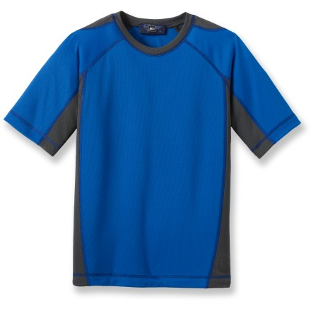 Our REI Joshua Tree T-shirt is perfect for active play in cool or warm weather. Polyester mesh fabric has a soft feel in your hands and breathes extremely well, keeping you child dry and comfortable even on warm days. Fabric provides UPF 50+ sun protection, shielding skin from harmful ultraviolet rays. Raglan sleeves offer ease of movement. - $14.93