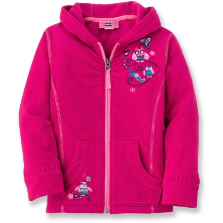 The REI Diamond microfleece jacket employs our heaviest fleece for young outdoors folk. It is sure to keep your toddler warm during cold-weather outings. Thick, breathable polyester fleece dries quickly and insulates even when damp. High collar and a 3-panel hood minimize chill. Cozy hand pockets help keep little fingers toasty warm. - $15.83