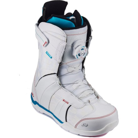 Snowboard Ride Sage Boa snowboard boots let advancing female riders concentrate on what's really important-the Ride! Easy-flexing Sage boots provide high-level performance at a price you gotta love! - $84.83