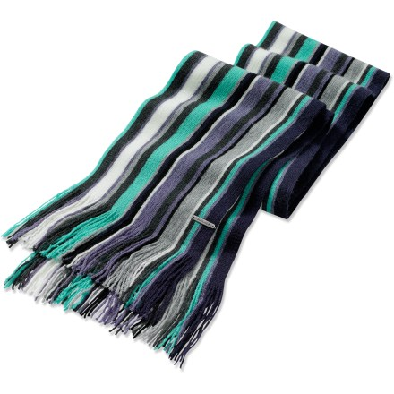 Wrap up with the colorful SmartWool Longview scarf when the winter chill nips at your nose! Single-layer SmartWool fine merino wool helps maintain a comfortable temperature on cold days; merino wool has a very soft hand. Fringe finishing at ends of the Longview scarf adds appeal. - $34.93