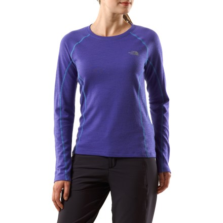 Ski Boasting fine merino wool, The North Face Aries T-shirt keeps you warm on the trails, whether you're on skis or in running kicks. Merino wool/polyester fabric provides a lightweight blend of warmth and natural moisture wicking. FlashDry(TM) microparticles embedded in the fabric to dramatically improve dry time and breathability. Made of crushed coconut shells and crushed volcanic rock, the FlashDry fabric additive leads to faster dry times and will not wash out. Fabric provides UPF 50+ sun protection, shielding skin from harmful ultraviolet rays. The North Face Aries T-shirt features reflective logos to boost your visibility. From the Flight Series(TM), developed by The North Face and tested by outdoor athletes; designed for done-in-a-day and weekend adventures. - $68.93