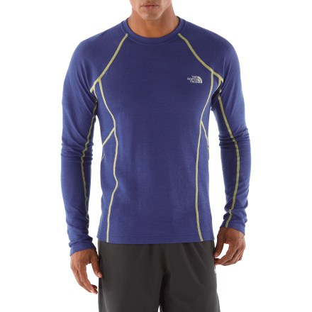 Fitness Boasting fine merino wool, The North Face Aries men's T-shirt keeps you warm on the trails, whether you're going for a run or trekking in the snow. Merino wool/polyester fabric provides a lightweight blend of warmth and natural moisture wicking. FlashDry(TM) microparticles embedded in the fabric to dramatically improve dry time and breathability. Made of crushed coconut shells and crushed volcanic rock, the FlashDry fabric additive leads to faster dry times and will not wash out. The North Face Aries T-shirt features reflective logos to boost your visibility in dim light. From the Flight Series(TM), developed by The North Face and tested by outdoor athletes; designed for done-in-a-day and weekend adventures. - $68.93