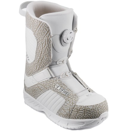 Snowboard The no-hassle, twist-and-go thirtytwo Boa(R) snowboard boots for kids offer parent-free closure. Kids will go from spinning the reel to spinning the pipe in no time! - $49.83