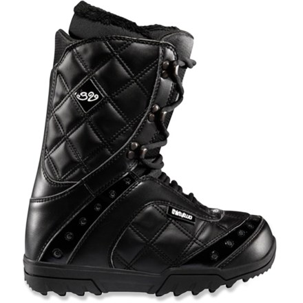 Snowboard Exus snowboard boots from thirtytwo are a great choice for aspiring snowboarders looking for comfort while working towards taking their snowboarding to the next level. - $64.83