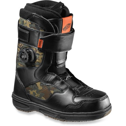 Snowboard Vans Matlock snowboard boots offer the ultimate in freestyle versatility. Powerful top cuff closures and Boa lacing from insteps down give quick and easy zonal adjustability. - $107.83