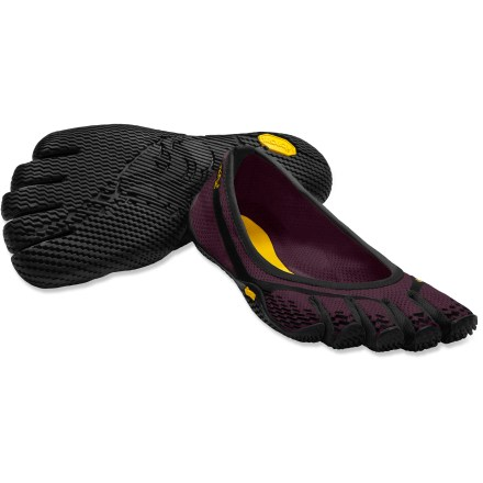 Fitness Vibram FiveFingers Entrada shoes offer a great entry to minimalist footwear, delivering a sleek look for light fitness and casual use. - $36.83