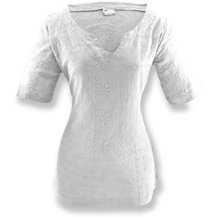 Entertainment The White Sierra Eastport Tunic shirt outfits you for warm-weather travel. Cotton gauze fabric is naturally soft, breathable and comfortable. Embroidery detailing. Special buy. - $20.73