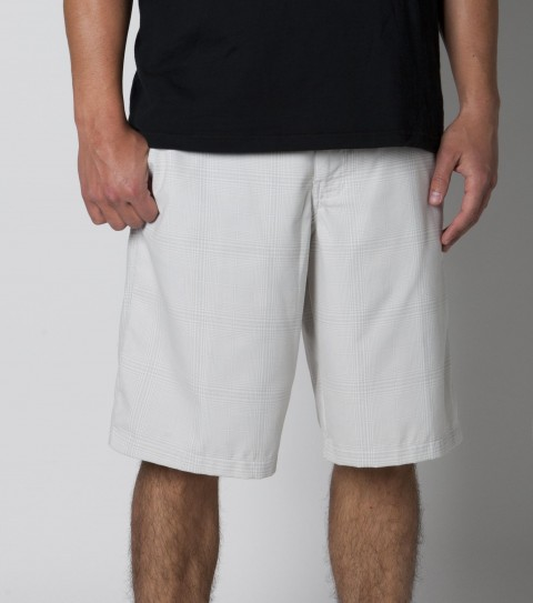 Surf O'Neill Paramount Shorts.  65% Polyester / 35% Viscose.  Yarn dye plaid walkshort.  Heavy enzyme / silicone wash. Standard fit.  Printed pocket bags.  Logo embroideries. - $46.00