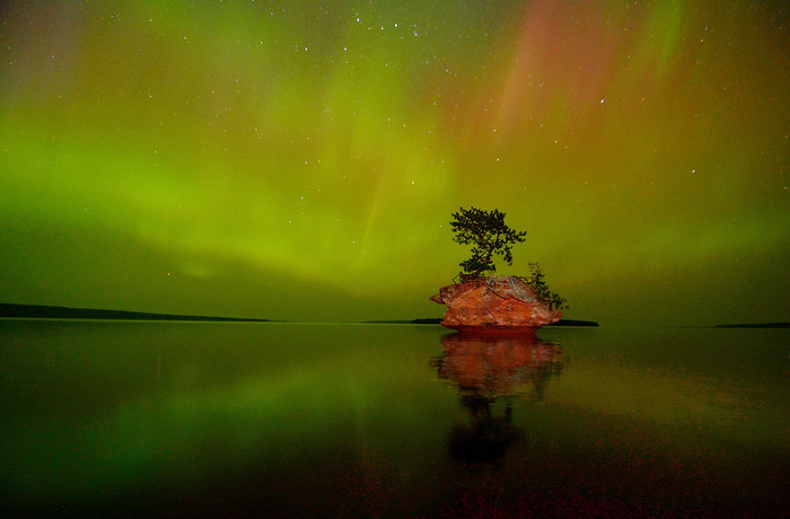 Aurora Borealis Over Honeymoon Rock Apostle Islands Nati