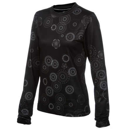 The Rings Base Layer Top features 686's heavyweight TopTech thermal fabric for cozy warmth next to your skin. Super-soft jersey-knit face fabric combined with internal brushed microfleece means you'll stay toasty, dry, and comfortable from chairlift rides to sipping cocoa on the couch. - $24.75