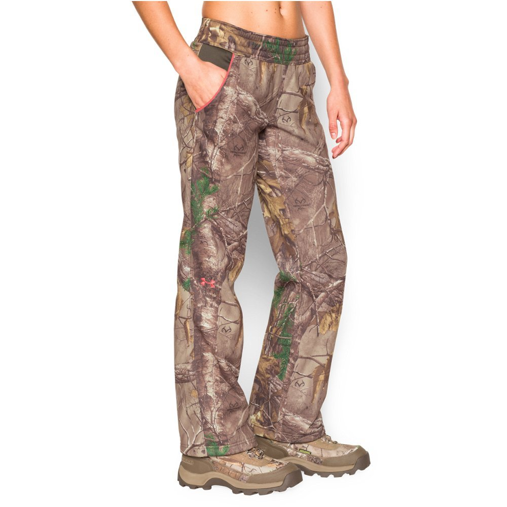 "Armour Fleece(R) is light but surprisingly warm & stretches for superior mobility  Material wicks sweat & dries really fast   Covered Elastic waistband with external drawcord   Classic solid hem, straight leg design   Allover camo    Inseam: 32"" - $56.24"