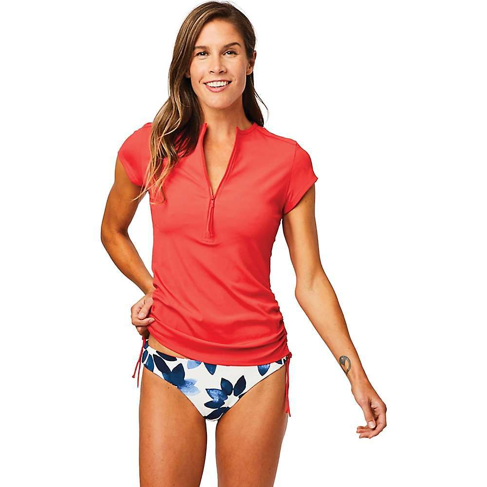 Features of the Carve Designs Women's Dawson Rashguard 50+ UPF rating Cap sleeve 1/2 Zip Adjustable side shirring Works for surf, paddle, pool, mountain - $51.95