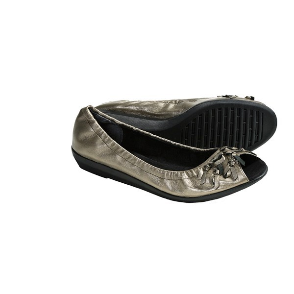 CLOSEOUTS . A fitting name for these festively festooned flats, The Flexx's Bowsterous shoes are topped with an engaging collection of bows just above the peep toe. Available Colors: BLACK, PEWTER. Sizes: 6.5, 7, 7.5, 8, 8.5, 9, 6, 9.5, 10. - $19.82