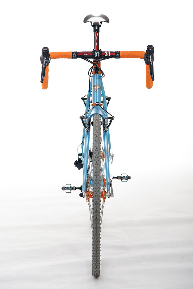 Fitness CRITICAL DIRT - Quite the cross bike, I'm sold on the color combo alone!