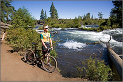 MTB Deschutes River Trail  from Sunriver to Bend, Ore
